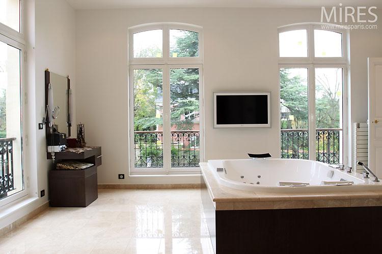 baignoire remous c0459 mires paris. Black Bedroom Furniture Sets. Home Design Ideas