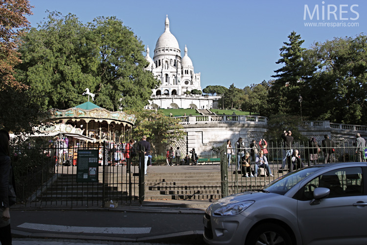 At the bottom of Sacre Coeur. C0631