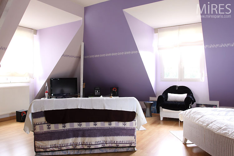 amazing chambre couleur beige chambre mauve with chambre. Black Bedroom Furniture Sets. Home Design Ideas