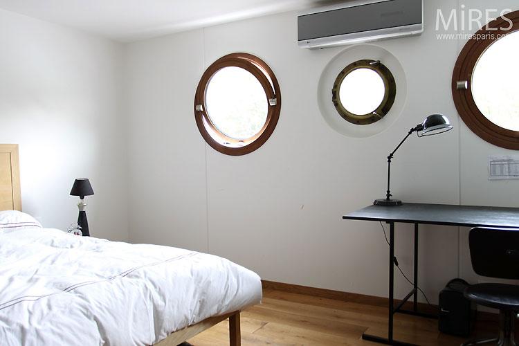Petite chambre. C0470