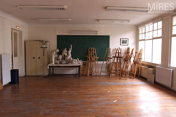 Classroom and easels. C0519