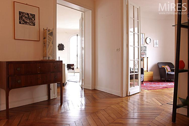 Parisian entrance. C0517