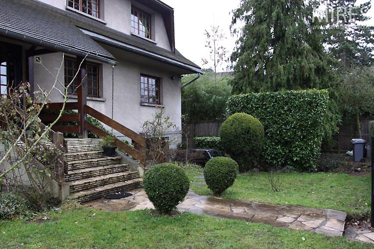 Façade et jardin. C0506