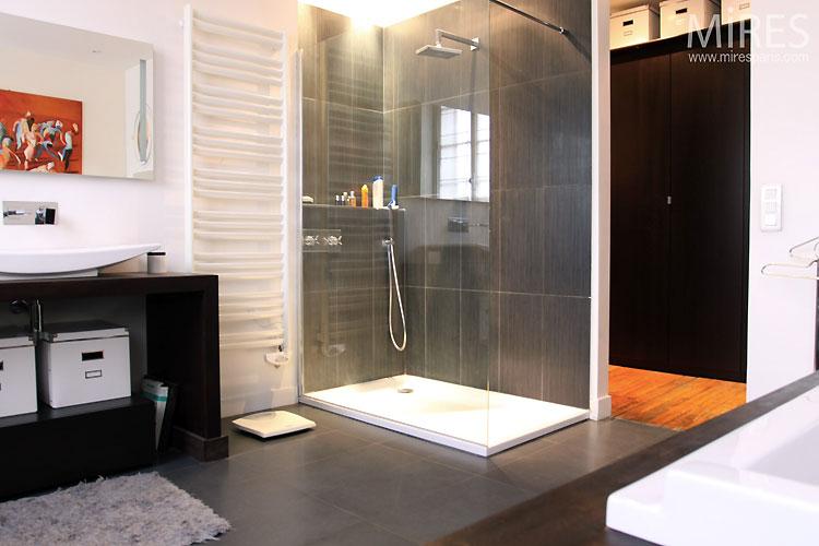 Salle de bains moderne c0505 mires paris - Photo petite salle de bain moderne ...