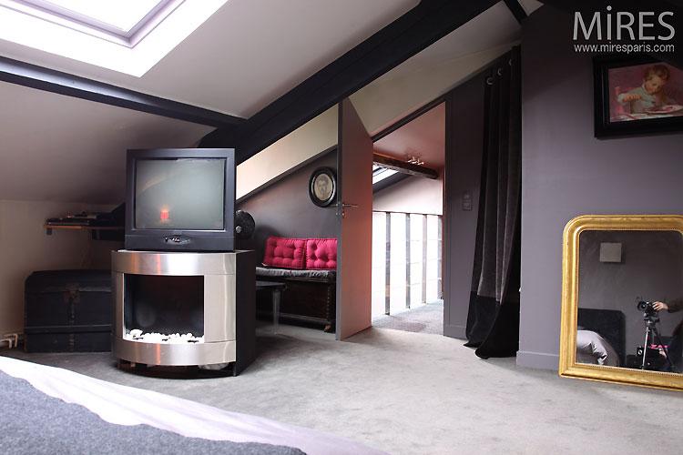 Petite chambre moderne. C0511   Mires Paris