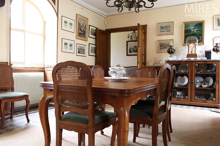 Salle à manger classique. C0526 | Mires Paris