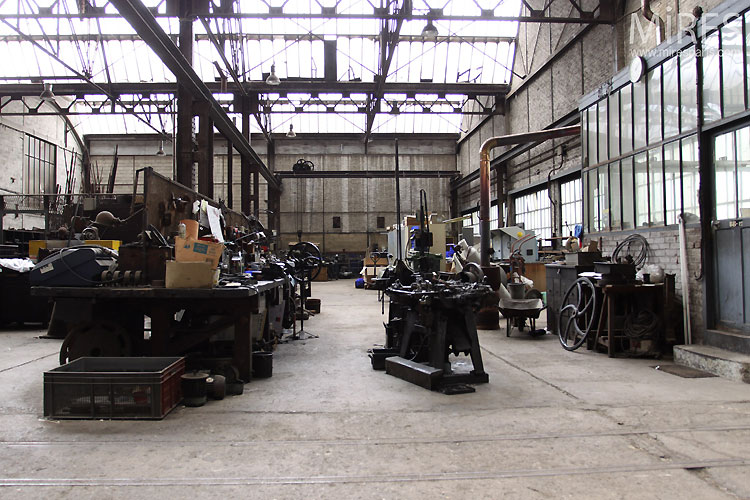 Old manufacture. C0546
