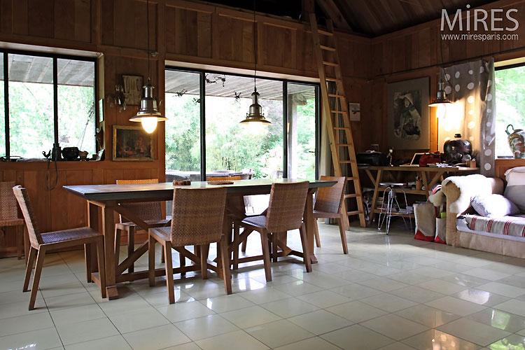 Open kitchen. C0534