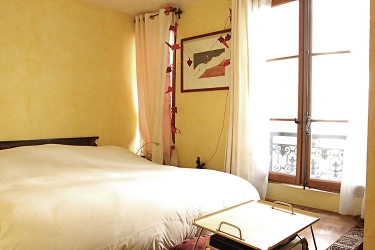 Bedroom, open bathroom and dressing room. C0530