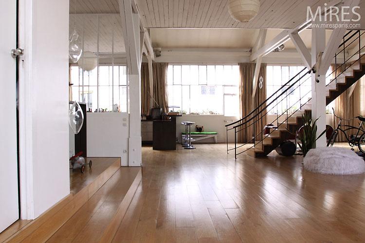 Loft et espace indus c0542 - Hangar transforme en loft ...