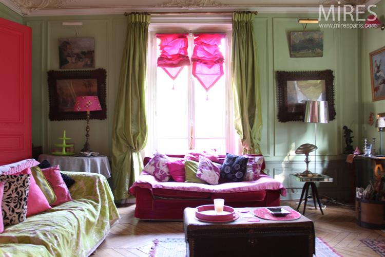 Vert et rose au salon. C0566