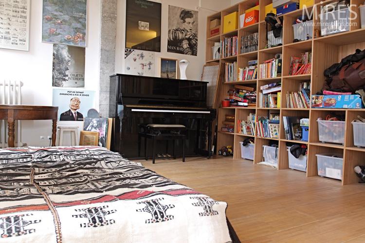 Déco Chambre Jeune : Une chambre avec piano c mires paris