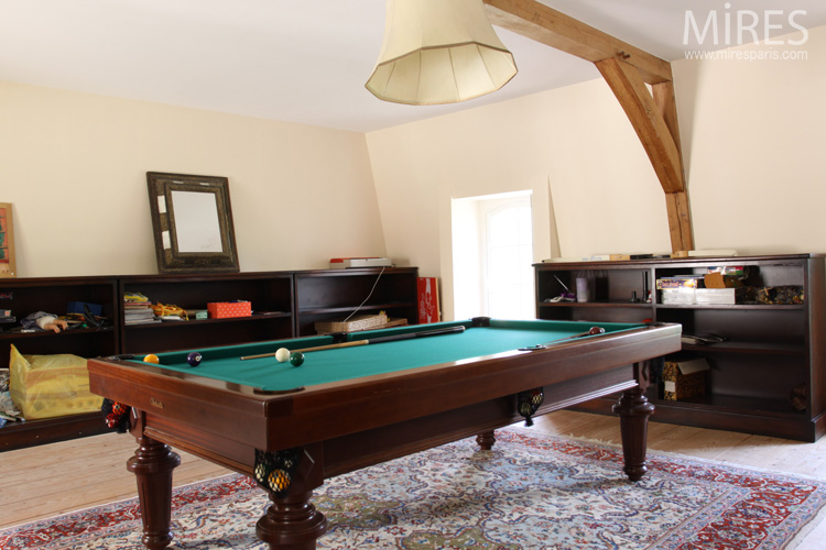 Room of billiards. C0573