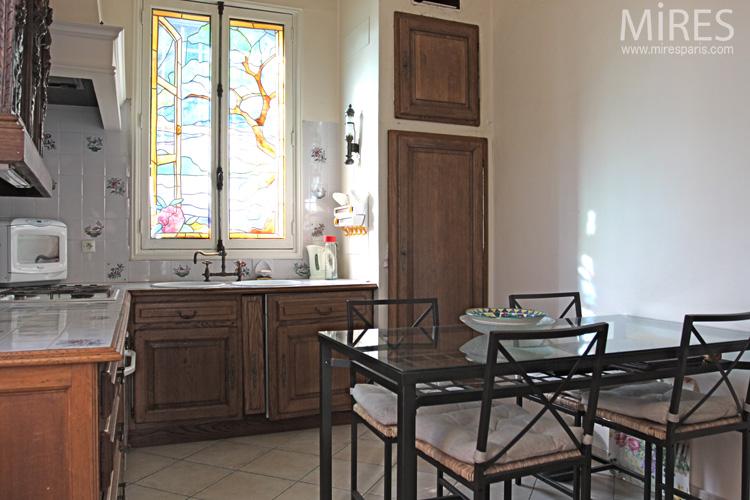 Haut de buffet sculpt fen tre vitrail table en verre for Fenetre en vitrail
