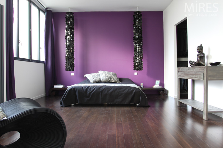 amazing harmonie et srnit ambiance violette c chambre with chambre violette et grise. Black Bedroom Furniture Sets. Home Design Ideas