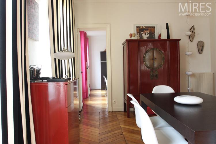 armoire chinoise rouge noir et blanc c0603 mires paris. Black Bedroom Furniture Sets. Home Design Ideas