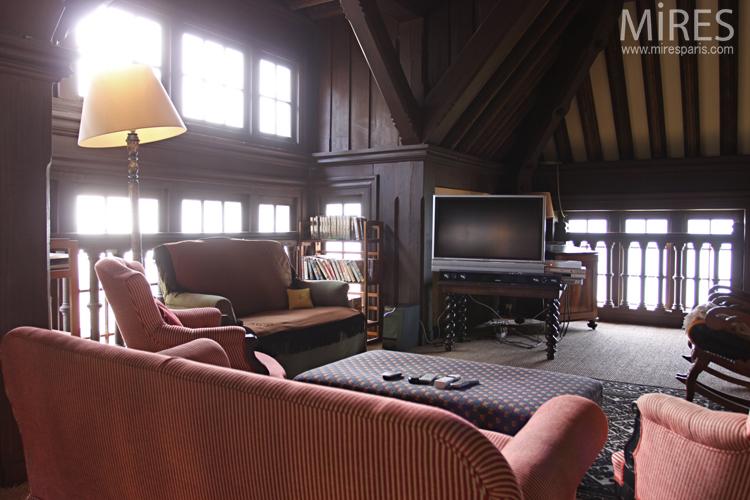 TV room on the mezzanine. C0647