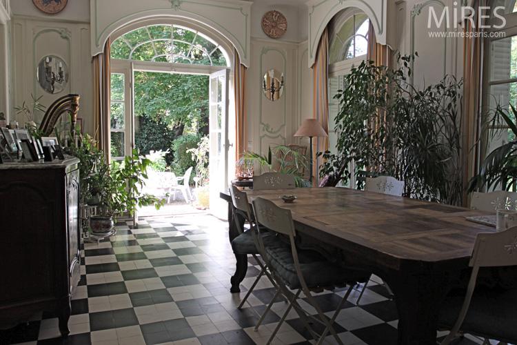 harpe tapisserie et carrelage noir et blanc c0592 mires paris. Black Bedroom Furniture Sets. Home Design Ideas