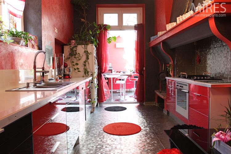 Chambre Couleur Sable Et Bleu : Rouge et noire avec lumière zénithale C0556  Mires Paris