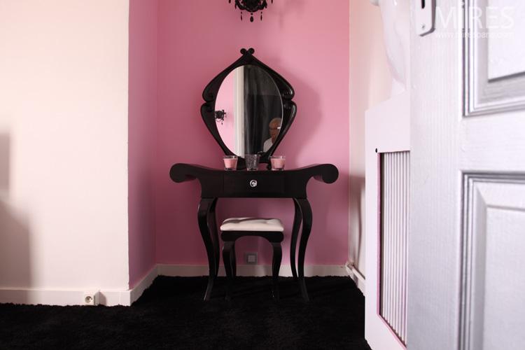 Chambre Orientale Deco : Rose et baroque noir c mires paris