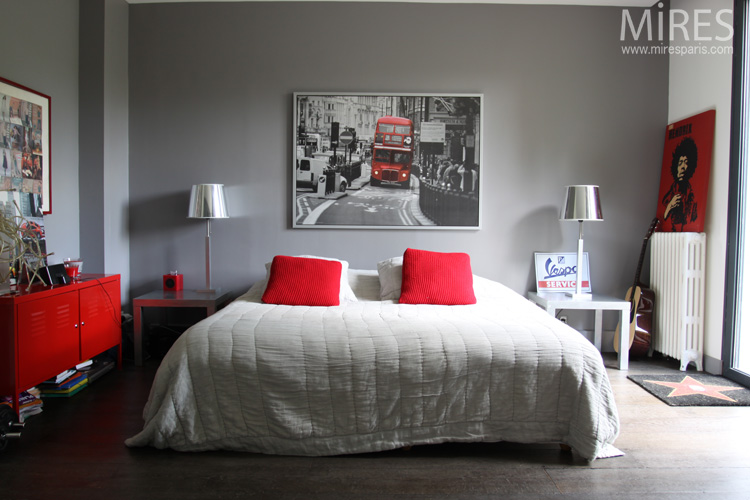 d coration chambre rouge et gris. Black Bedroom Furniture Sets. Home Design Ideas