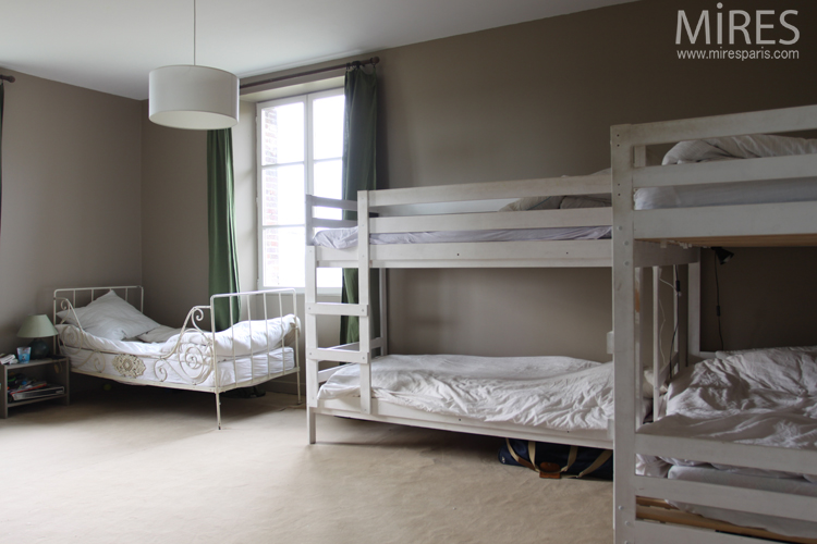 Bunk beds and refined atmosphere. C0690