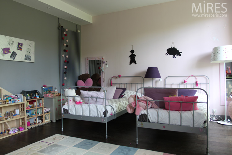 double lit en fer pour chambre de petite fille c0067 mires paris. Black Bedroom Furniture Sets. Home Design Ideas