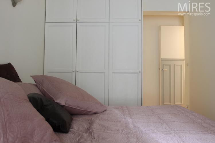 chambre ambiance vieux rose c0632 mires paris. Black Bedroom Furniture Sets. Home Design Ideas