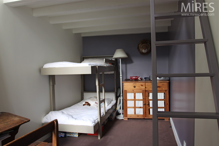 Two-seater, two-color and clear bedroom . C0683