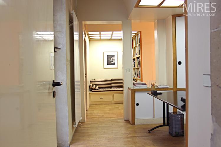 Reception room, black design desk. C0686