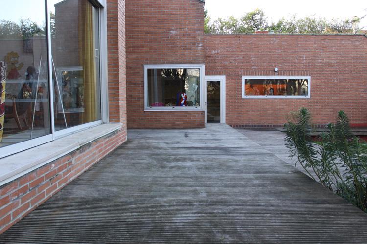 grande terrasse en bois sur deux niveaux c0665 mires paris. Black Bedroom Furniture Sets. Home Design Ideas