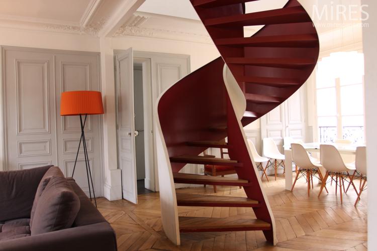 Salon salle à manger avec escalier contemporain. C0687 | Mires Paris
