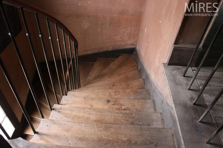 Escaliers et couloirs. C0679