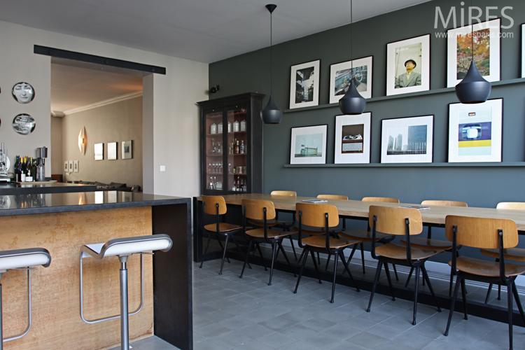 Cuisine living accueillant c0707 mires paris for Habillage mur cuisine