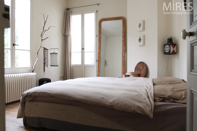 Chambre parentale sur terrasse et verdure c0031 mires paris - Chambre parentale design ...