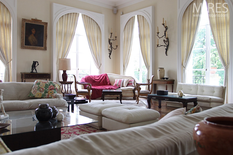 Classicism and chinoiserie. C0723
