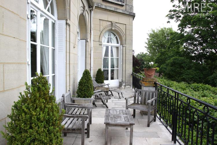 Terrace overlooking the garden. C0723