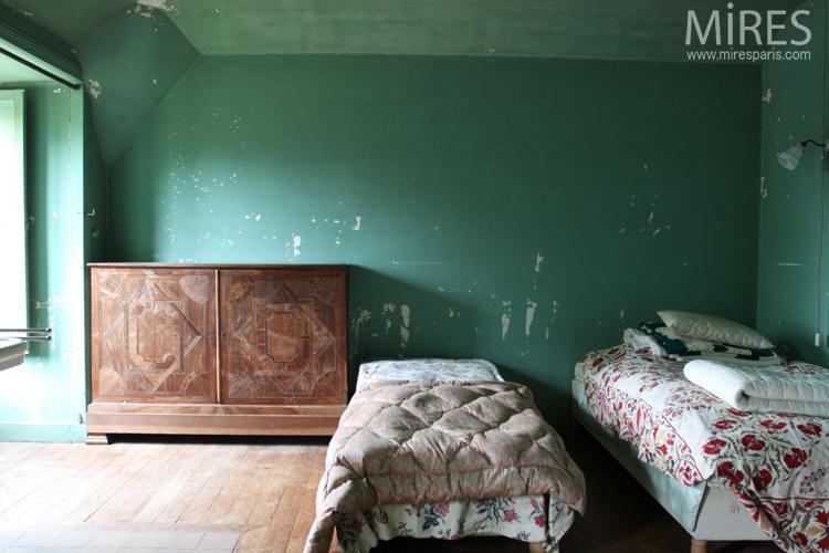 Deux chambres colorées. C0726
