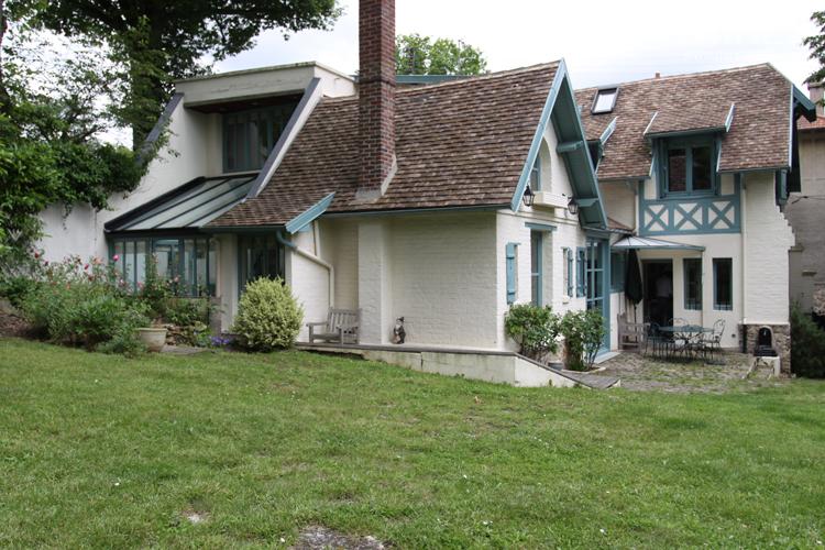 Pavillon de style normand avec grand jardin. C0730