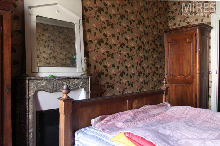 Old style bedroom. C0740