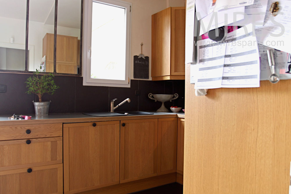 Kitchen with a little balcony. C0763