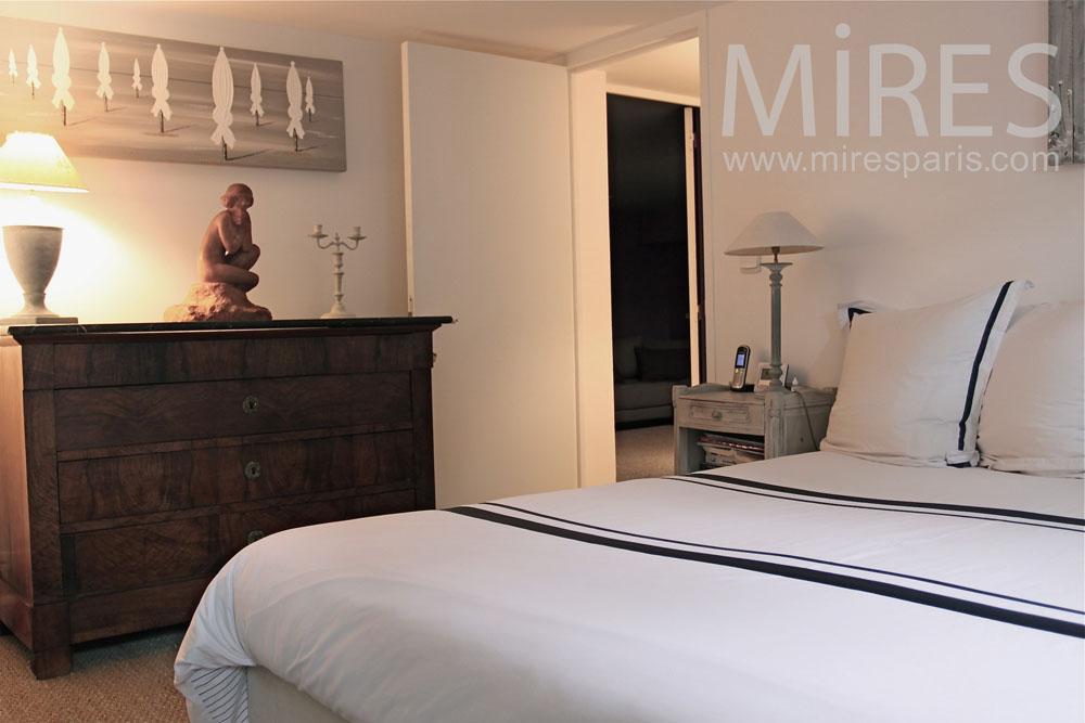 chambre coucher c0763 mires paris. Black Bedroom Furniture Sets. Home Design Ideas