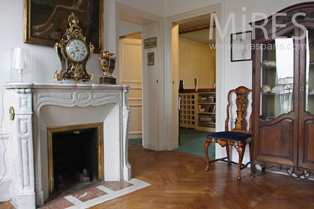 19th century living room with flooring. C0771