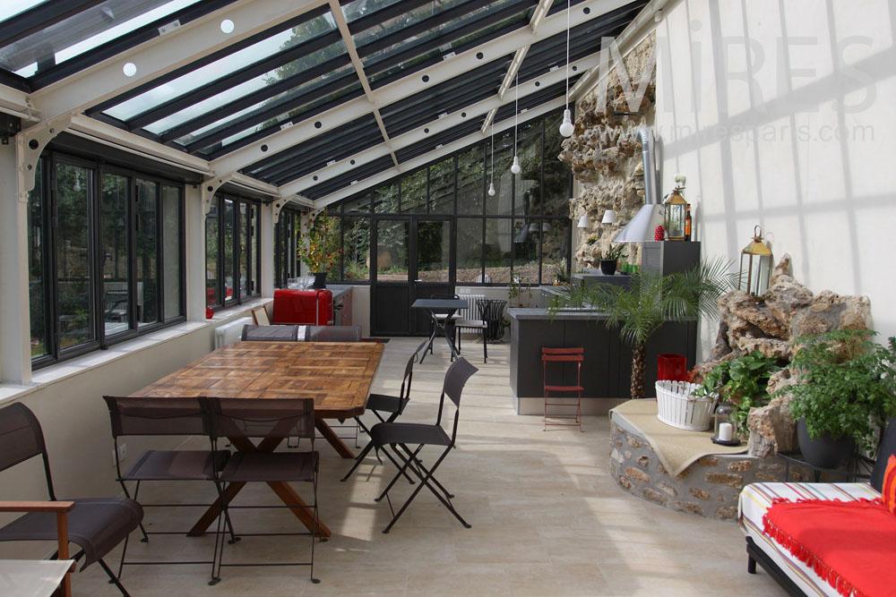 Chambre Décoration Intérieure : Grande cuisine salle à manger sous la véranda c