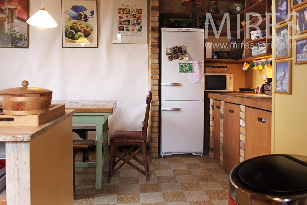 Cuisine brique et bois. C0796 | Mires Paris