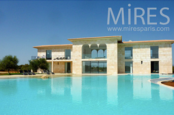 Property with lagoon swimpool. C0794