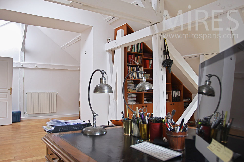 Office on the attic. C0802