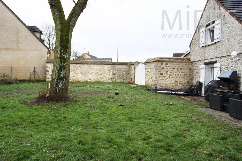 House on the garden. C0804