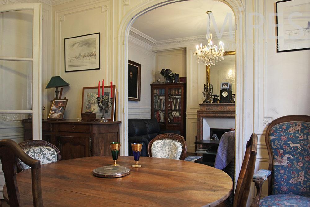 appartement parisien c0813 mires paris. Black Bedroom Furniture Sets. Home Design Ideas