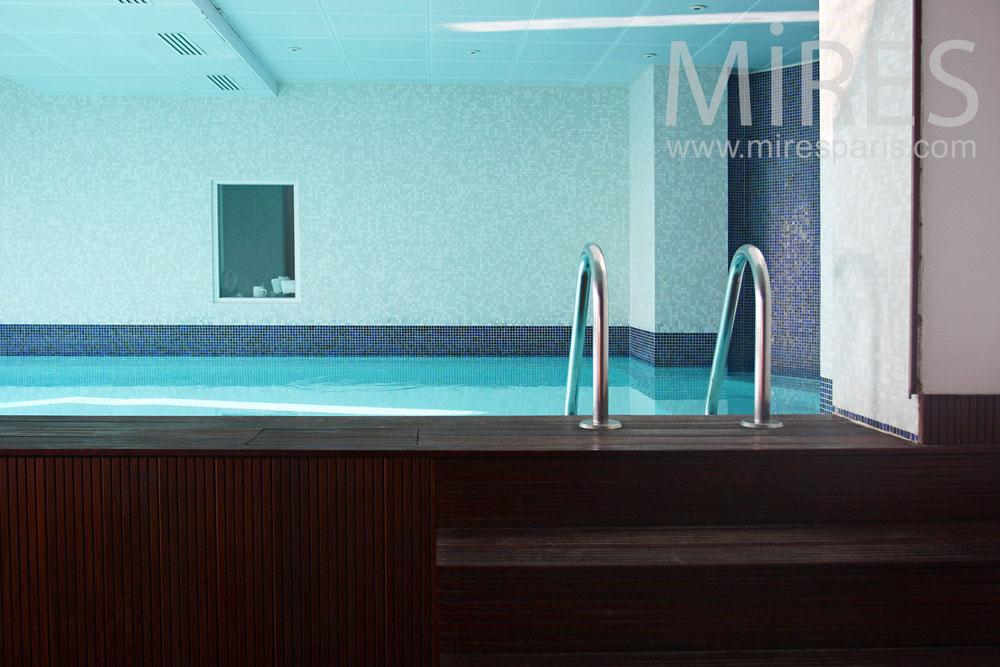 Couloir de nage et sauna c0814 mires paris for Sauna piscine paris